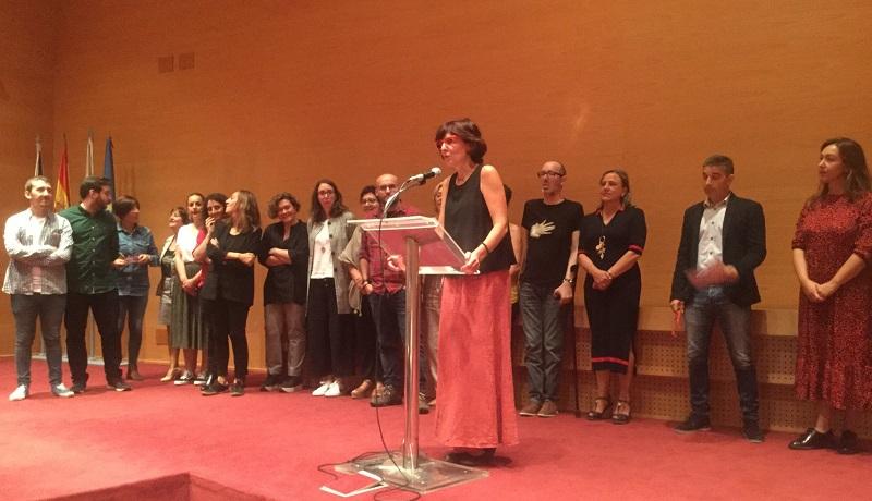 Maruxa Suárez _quinta pola esquerda_ co resto de representantes dos concellos