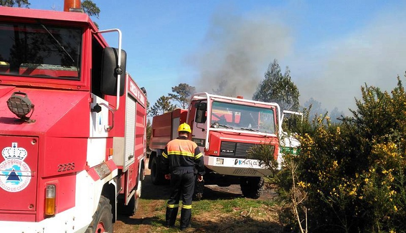 Imaxe de arquivo dun incendio forestal