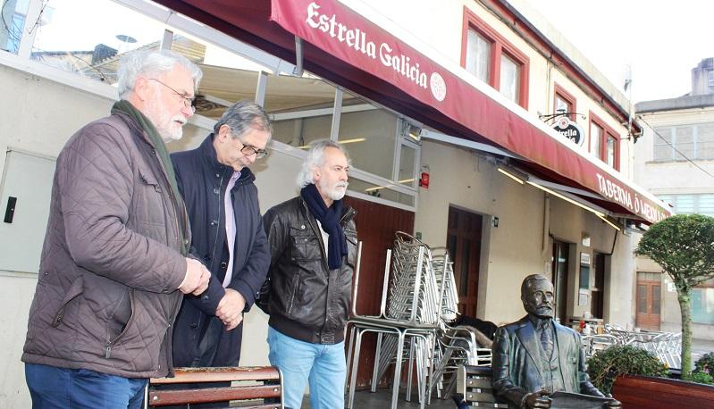 O acto celebrouse xunto á escultura de Alfredo Brañas e á súa casa natal